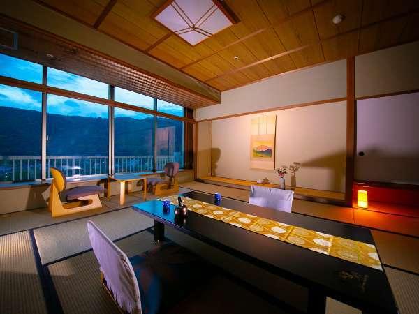 落ち着きある和室から、洋室、露天風呂付きに名橋・錦帯橋を望む【絶景客室】まで、客室の種類は様々!