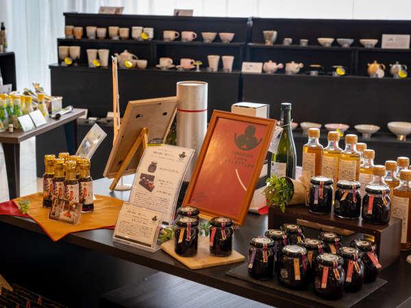【売店-花千堂-】うに醤油や、やまぐち三ツ星セレクションの『濃ジャム』など、山口を感じる逸品を販売中