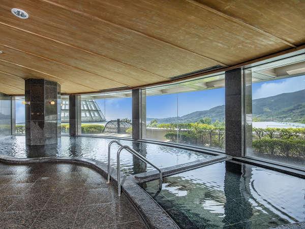 眺望の素晴らしい露天風呂、内風呂、水風呂、サウナを完備