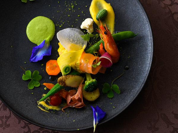 シェフが季節の食材を使い皆様の思い出の1ページを彩るディナーを作りあげます(※写真はイメージです。)