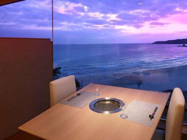 多々戸浜の景色もメニューの一品です *席は当館で決めさせて頂きます