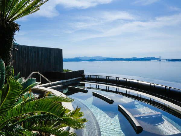 自家源泉の南あわじ温泉を愉しむ露天風呂は2014年12月に女性用、2016年7月に男性用がリニューアル