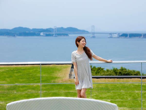 鳴門海峡と大鳴門橋を一望する【SOLA TERRACE】記念撮影にもオススメ