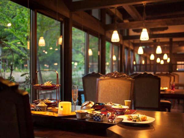 お食事処「おあがりて」開放感ある空間でくつろいでお食事を