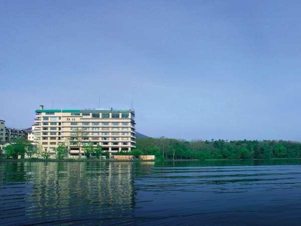 ■【外観】/雄大な自然が広がる阿寒湖。ここでなければ体験できない驚きや喜びをご提供いたします。