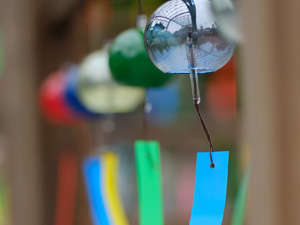 7/12~9/30、当館車15分の高野寺では、風鈴で願かけできちゃう風流な【風鈴祭り】を開催(写真はイメージ)