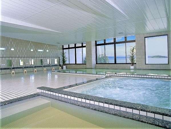 π(パイ)ウォーターを使用した大浴場からの眺めも最高