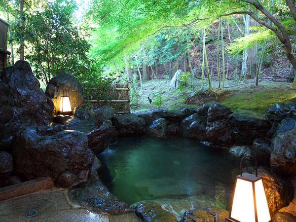 ■貸切露天風呂【楓庵】~まるで森に囲まれて、京の町からたった30分で湯の贅を~