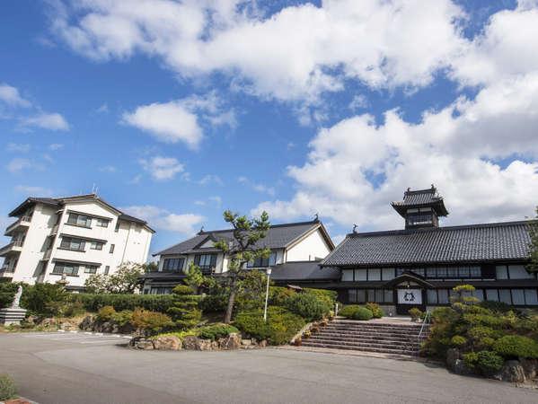 【料亭湯宿 銀鱗荘】小樽市指定歴史的建造物にも選ばれた豪壮優美な鰊御殿の宿。
