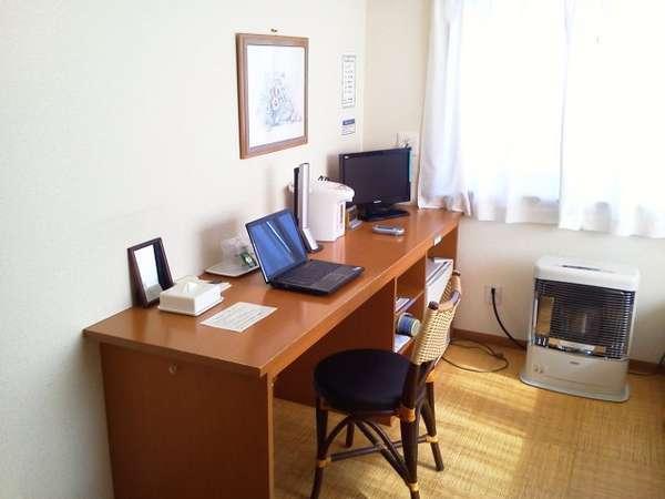 ビジネスマンの連泊もOK!光ファイバーのWIFIが無料でご利用いただけます。(パソコンはお持込ください。)