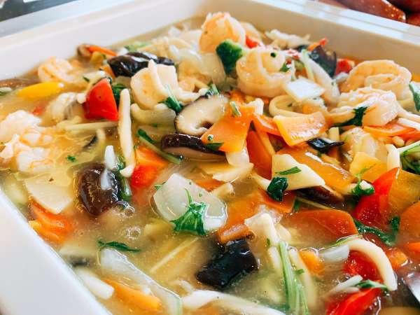 【朝食】海老とイカ、野菜の炒め物