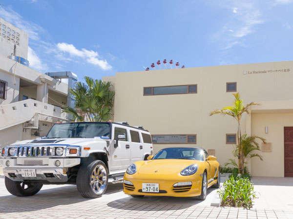 マリーナベイ美浜【外観】(各客室ごとに2台分の無料駐車場確保)。観光のベースに最適です。