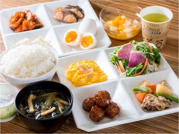 栄養満点・品数豊富な和食と洋食のバイキング健康朝食♪