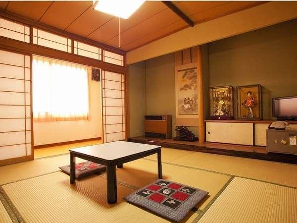 太陽の光が差し込む和室(6~10畳)