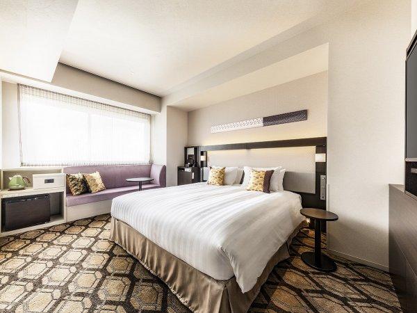 スーペリアダブル ●広さ:22平米●ベッド:幅180cm × 長さ200cm 1台