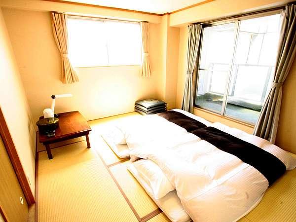 1~4名様までご宿泊可能な和室のお部屋になります。ご家族・団体様にオススメです♪