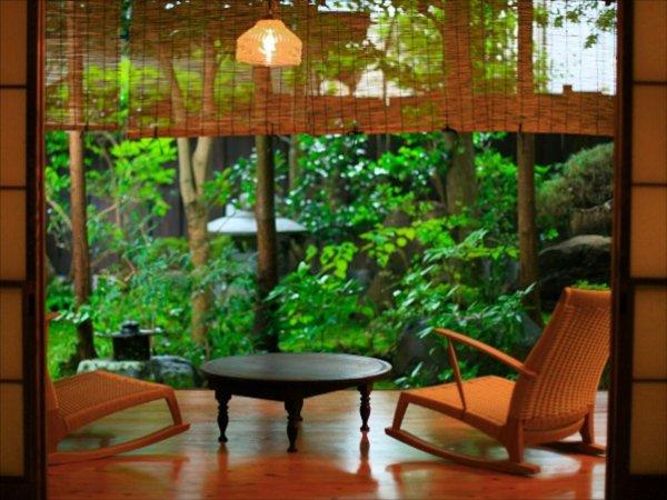 露天風呂付き和洋室【宵待草】からの眺める中庭