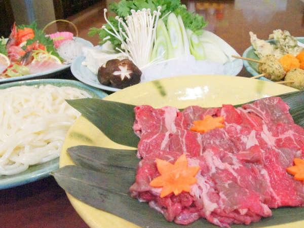*【すき焼き鍋】鍋の定番、すき焼き。牛肉のとろける柔らかさをお楽しみ下さい♪