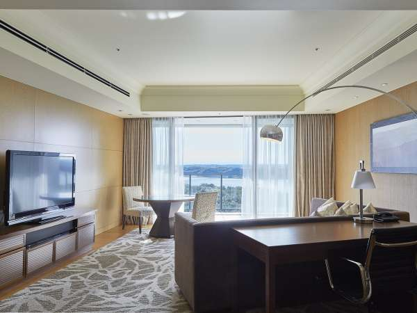 リビングルーム ※画像はイメージです。眺望は客室により異なります。