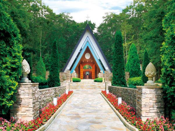 【森のチャペル】童話の世界のような三角屋根チャペル♪