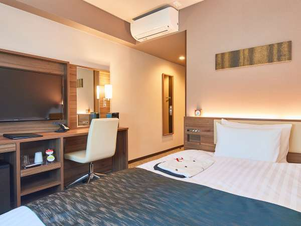 【シングルルーム】 シモンズ製ベッド設置、全室16.05平米。全室フリーWi-Fi完備。(※客室画像一例)