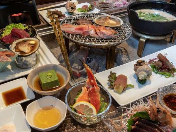 【囲炉裏特別会席/個室】目の前でその日おすすめの魚介やお肉を炙っていただけます。(一例)