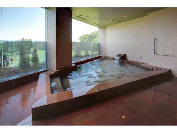 美肌の湯で、壮大な景色を眺めながらの入浴は格別
