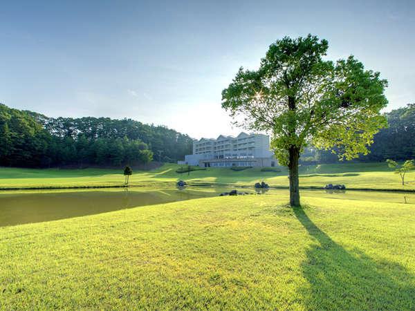 那須の自然に囲まれた小さなホテル。心地よさとプライベート感を備えた上質空間で過ごすリゾートの休日。