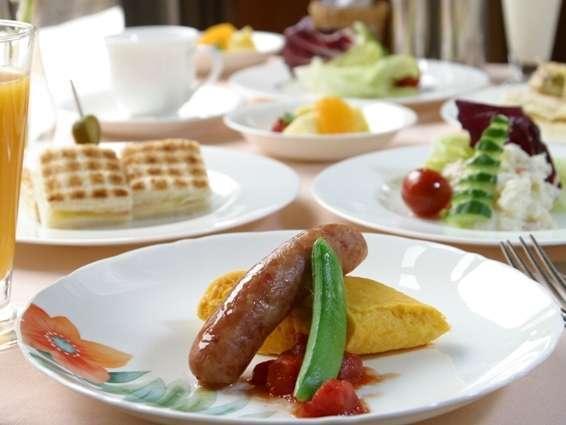 朝のさわやかな景色も一緒に召し上がれ【朝食一例】