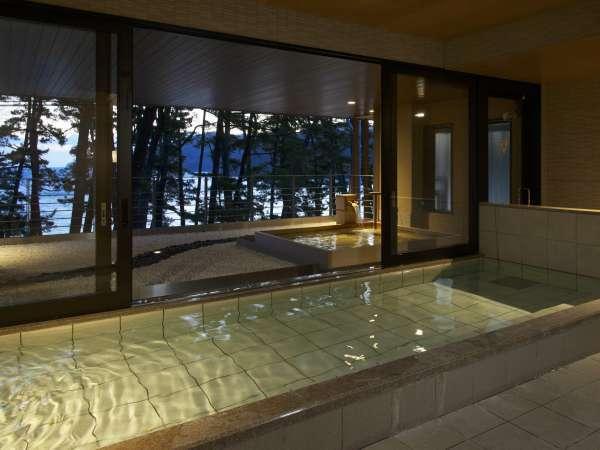 内風呂からも松林越しの絶景を楽しむことができますよ♪
