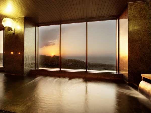 鯨波松島温泉 最上階の展望風呂から日本海を一望 泉質ナトリウム塩化物泉 源泉の宿なので湯量は豊富
