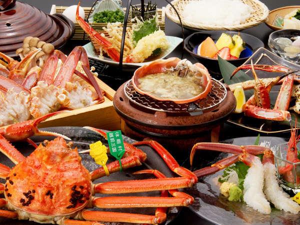 ●極コース全てのお料理に厳選した越前がにの「活蟹」だけを使用します。