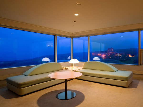 セミスイート ヒルズ3の灯が見える、リビングからの眺望