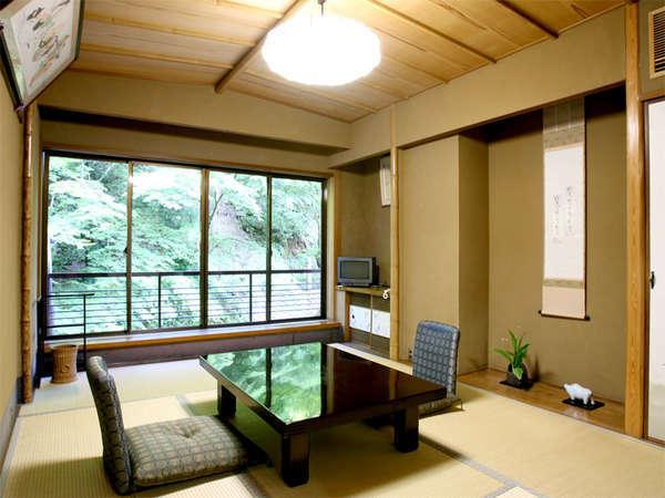 ■和室一例■全室貴船川に面しております。川のせせらぎを聴きながらのんびりお過ごし下さい。