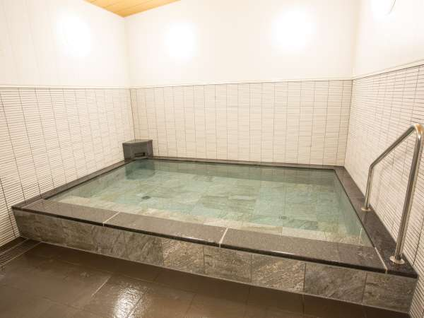 【浴場】ご利用可能時間 夜17:00~23:00 / 朝5:00~9:00)