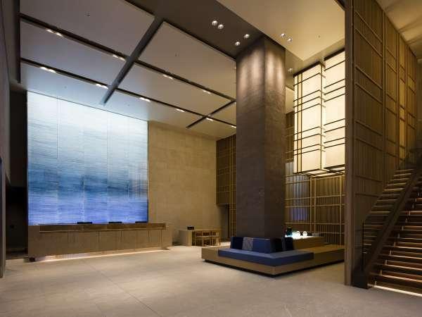 【ロビー】開放感のある都市型プレミアムホテルです。
