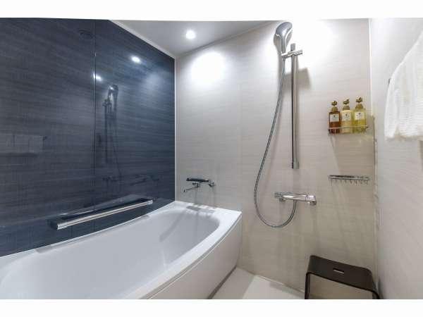 全室洗い場付き浴室。