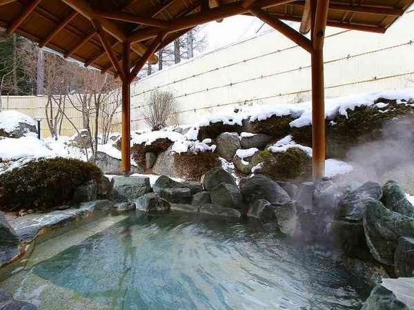 すぐ隣の「温泉棟」の大浴場を無料でご利用いただけます。