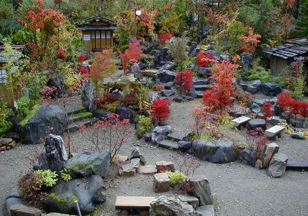 紅葉の庭園