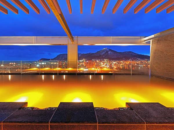 【大浴場】天上にのぼるような、名湯の極楽をお楽しみください。