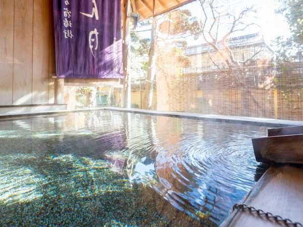【信州しもすわ温泉 ぎん月】諏訪大社まで徒歩3分。諏訪湖を望む高台に佇む全13室の閑静な宿