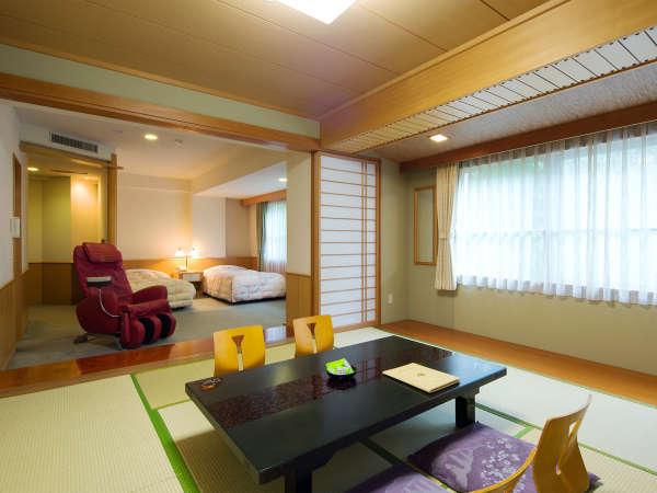 【リラクゼーションルーム】広めの間取りにマッサージチェアを備えた和洋室。癒しと寛ぎの客室です。