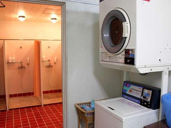 館内にはランドリ―やシャワールーム(男女別)。ホテル周辺(お車約15分~)の温泉利用もおススメです!