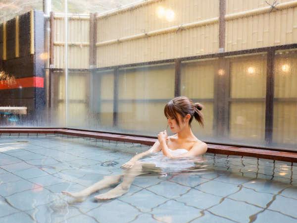 【内湯】美人の湯で有名な「奥道後温泉」を心行くまでご堪能頂ける広々とした内湯