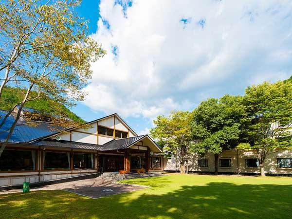 【湯巡りの宿 わたらせ温泉 ホテルささゆり】リセット旅におすすめの熊野の森に囲まれたオトナの温泉宿◎