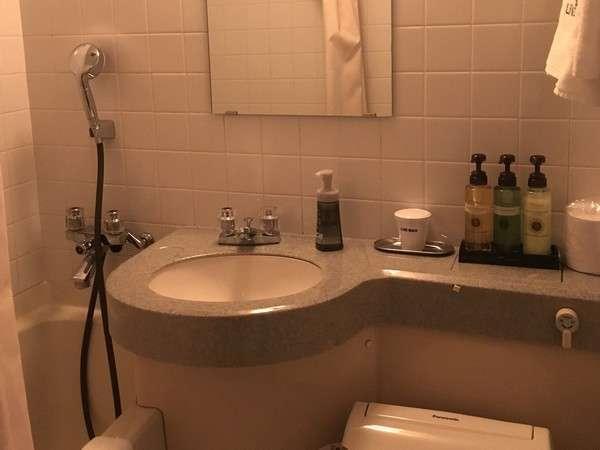 浴室はユニットバスでございます。
