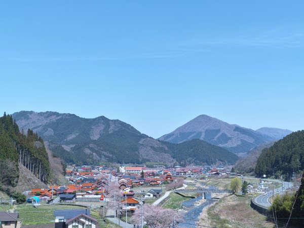 岡山県北の人口千人の村・新庄村。「日本で最も美しい村」にも認定されています