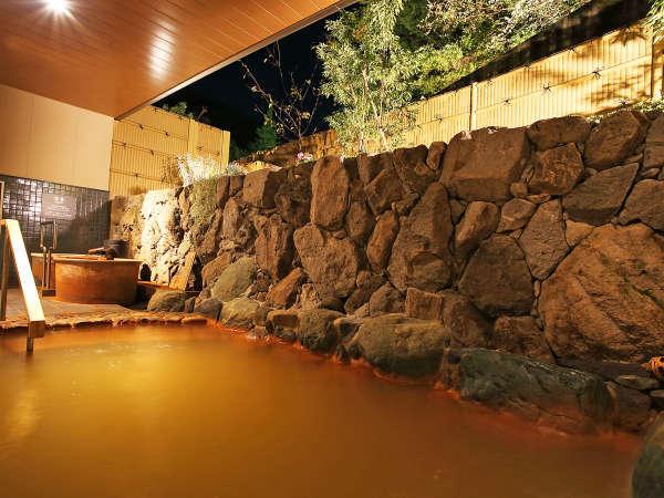 *【大浴場A・金泉露天風呂】2ケ所ある大浴場のうちの一つ、夜は女湯・昼は男湯になります。