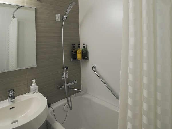 【風呂】バスルーム…シングル・ダブル・ツインルームはユニットバスをご用意しております。