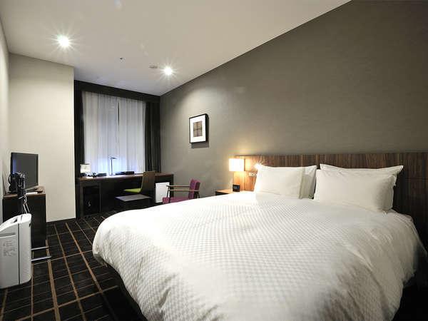 【客室】デラックスシングル ・部屋広さ…21㎡・宿泊人数…1~2名・ベッド幅…160cm